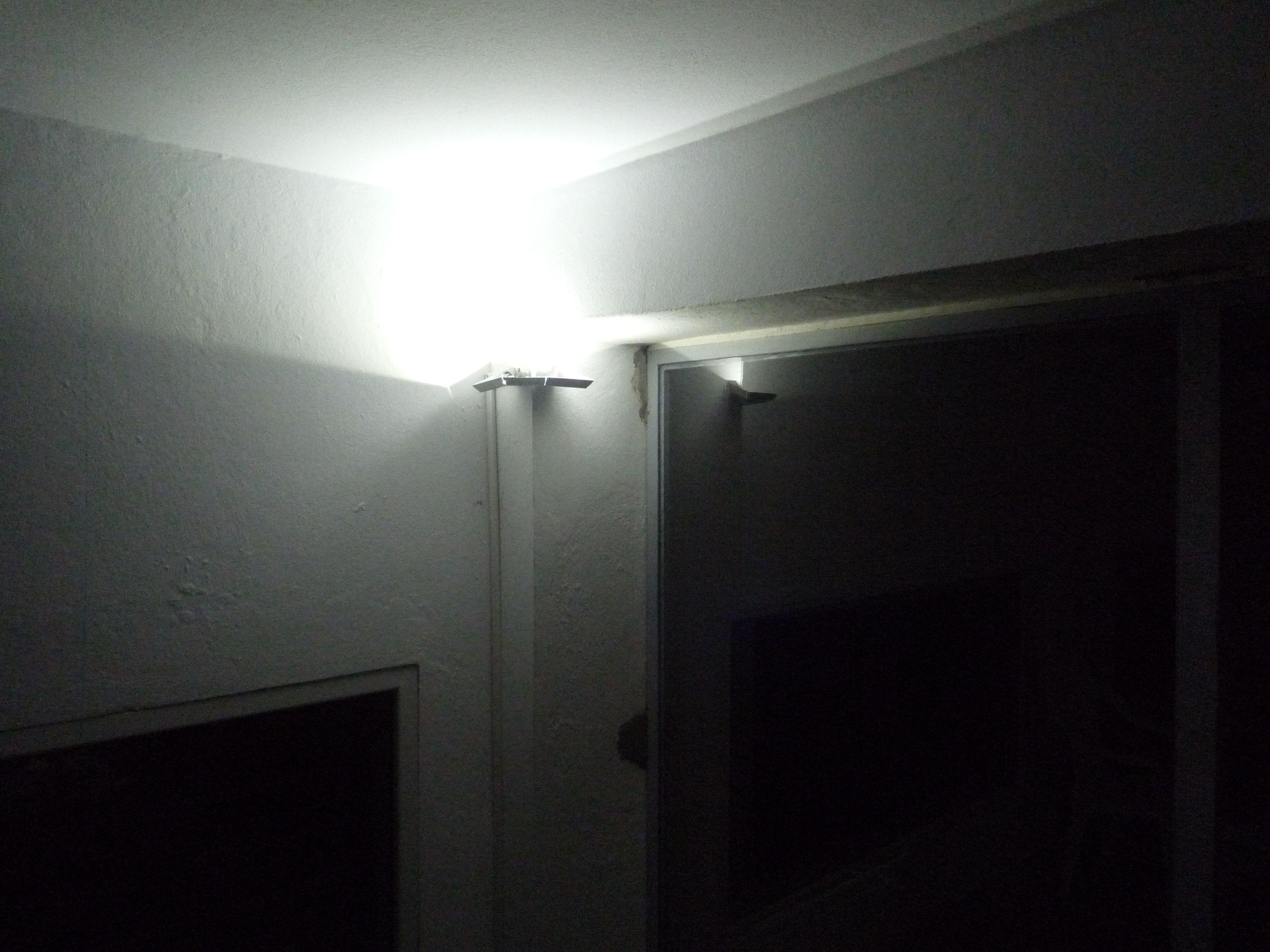 nouvelle lampes basse consommation velectris r. Black Bedroom Furniture Sets. Home Design Ideas